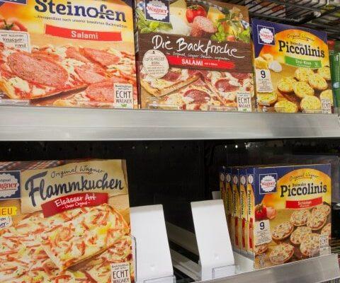 Pizza im Tiefkühlregal
